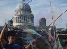 St. Paul's bubble man