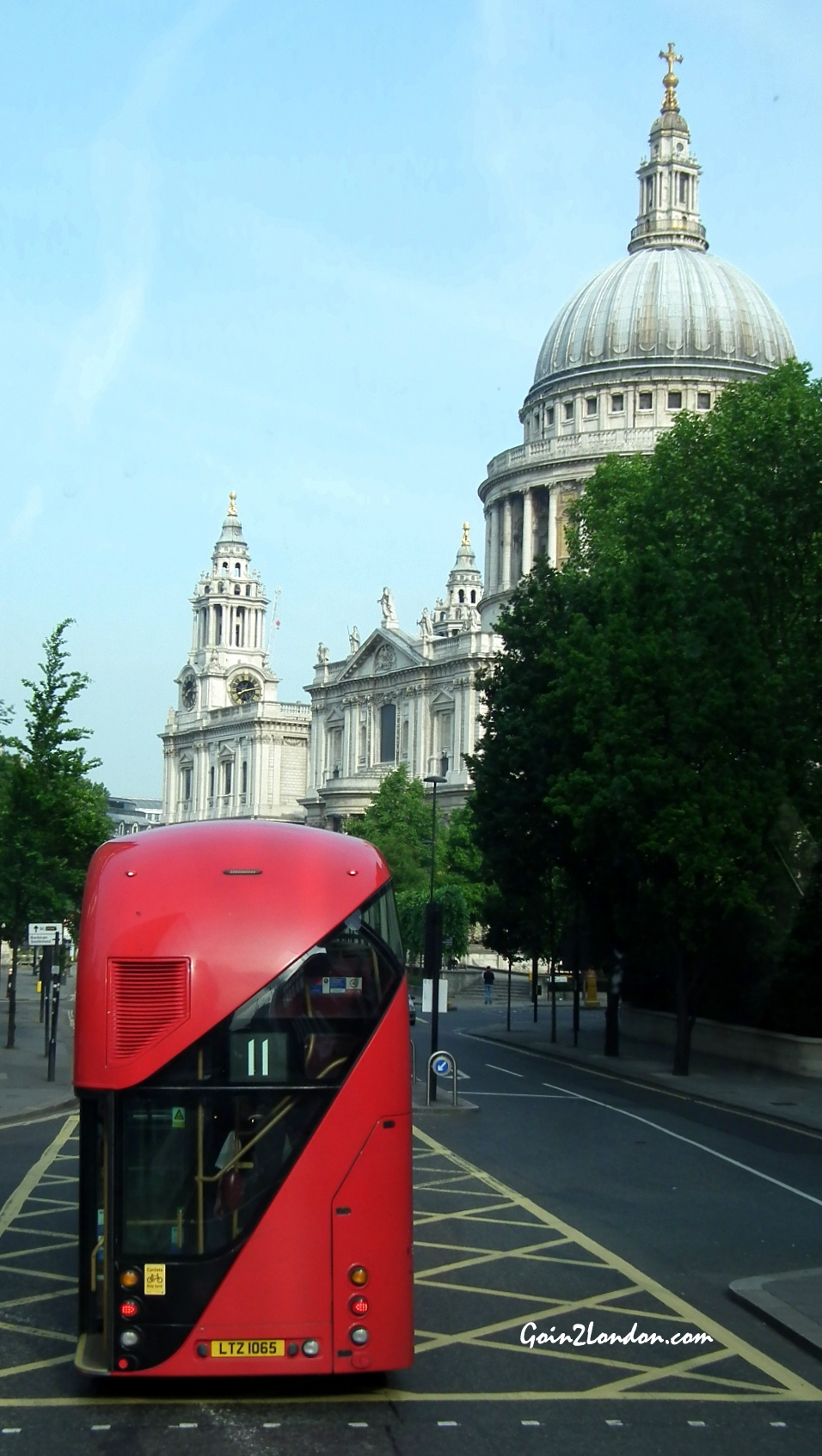 No.11 passing St.Pauls