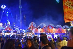 Winter Wonderland, happy crowd